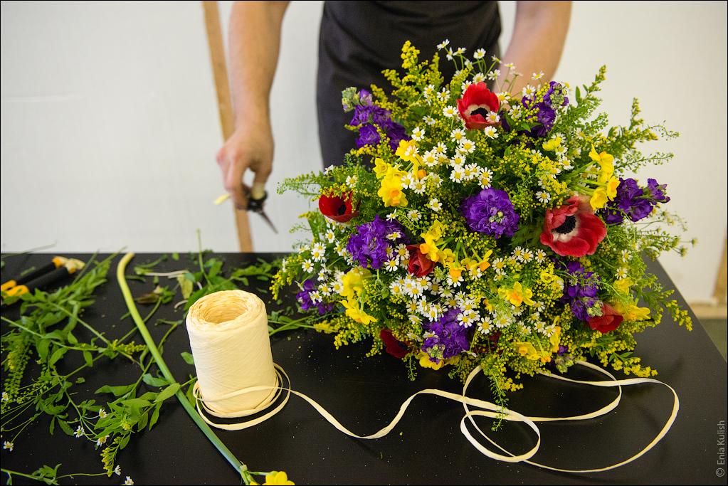 Как сделать букет из цветов : 100 идей и пошаговые мастер-классы с фото